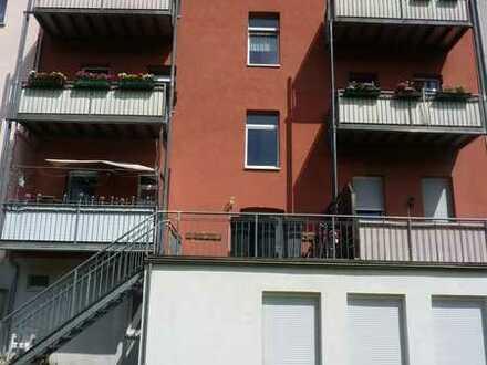 Kleine 3 Raum-Wohnung am Pollingpark mit Balkon!