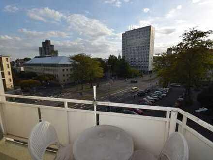 Schöne Dreizimmerwohnung mit toller Aussicht und begehrter Lage im Agnesviertel
