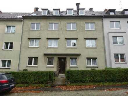 zentral gelegene 2,5 Zimmer-Wohnung mit Balkon