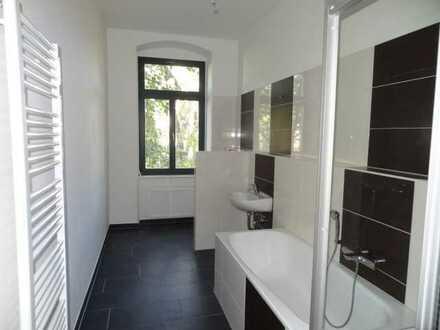 Schöne 3-Zimmer-Whg mit Parkett, EBK, Bad mit modernen Fliesen, Wanne und Dusche