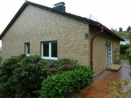 Grundstück mit Einfamilienhaus in Superlage von Schloßborn
