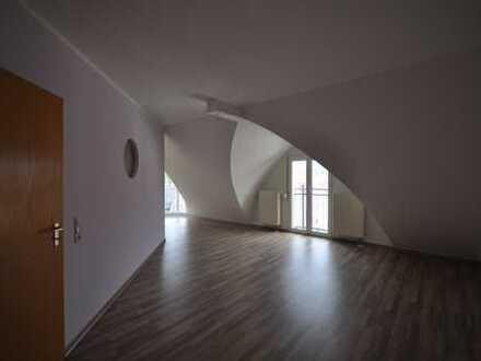 ## Einbauküche # Garagenstellplatz # 2 Balkone ## 2-Raum Dachgeschposs Traum
