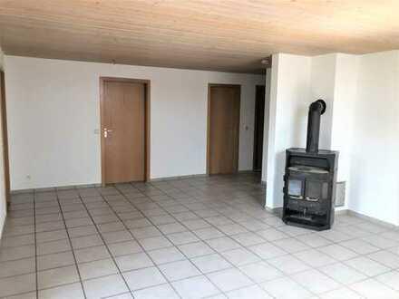 Tolle 3 Zimmerwohnung mit Balkon und Garage