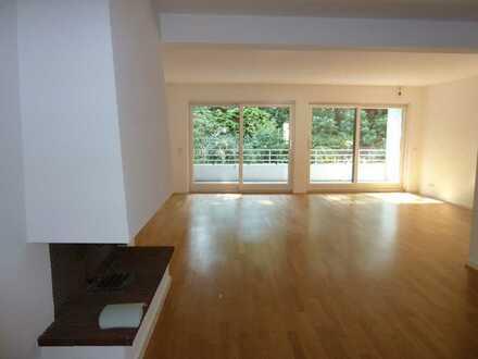 Hausgroße Wohnung in Essen-Bredeney