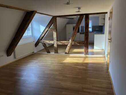 Charmante 5-Zimmer-DG-Wohnung mit Einbauküche in Nagold