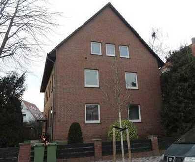 Ziegelhofviertel - Saarstraße: renovierte 2-Zimmer-Wohnung in zentraler Lage