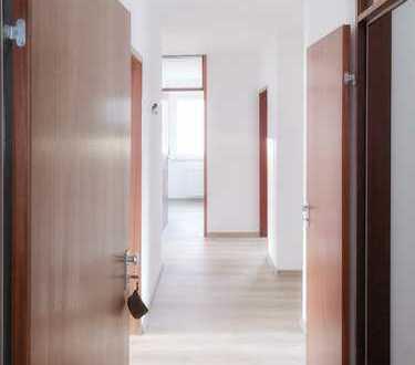Erstbezug nach Sanierung mit Balkon - 3-Zimmer-Wohnung in Böblingen