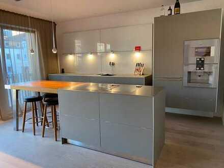 City Life! Hochwertige 3 Zimmer Wohnung in begehrter Lage zwischen Medienhafen, Altstadt und Rhein