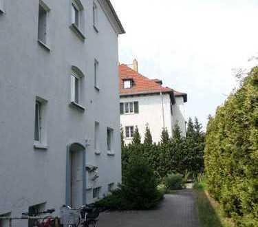 Hübsche kleine 2-Raum-Wohnung mit Wohnküche in ruhiger Wohnlage