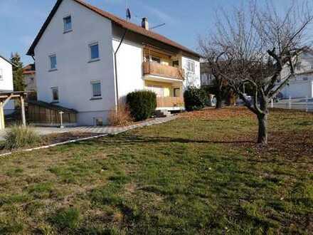 Freistehendes 2-Familienhaus mit Balkonen, großem Gartengrundstück und ausbaubarer Bühne