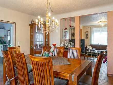 Familienfreundliches Zweifamilienhaus in bevorzugter Fellbacher Citylage