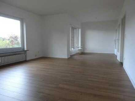 Renovierte 4-Zimmer-Wohnung in Reppenstedt