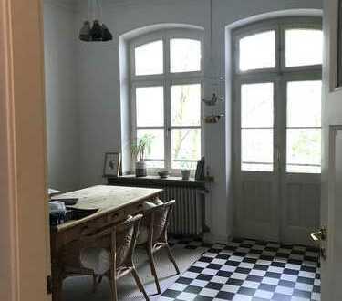 Schöne 2-Zimmer-Altbau-Wohnung mit Balkon in Düsseldorf Flingern