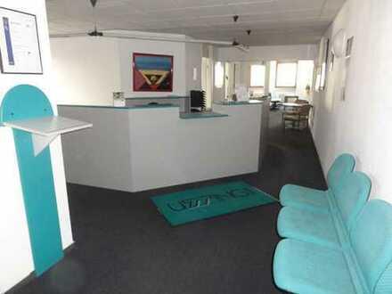 Helles und perfekt geschnittenes 6-Zimmer-Büro / Praxis in bester Lage von Striesen!