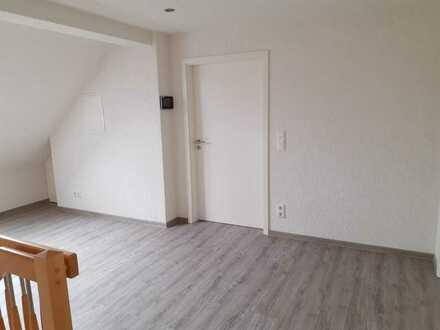 Freundliche 3-Zimmer-DG-Wohnung mit gehobener Innenausstattung in Braunschweig-Wenden