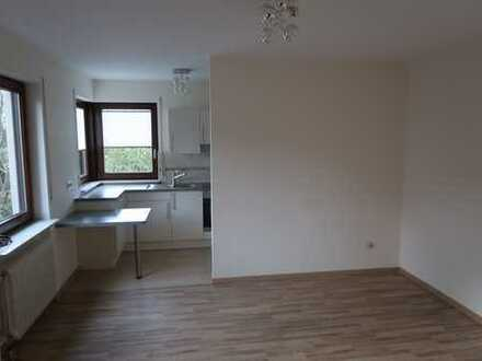 Gepflegte 1,5-Zimmer-Wohnung mit Einbauküche in Straubenhardt