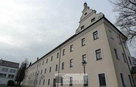 Malteser Carré - komplett sanierte DG-Wohnung im historischen Gebäude - Denkmalschutz