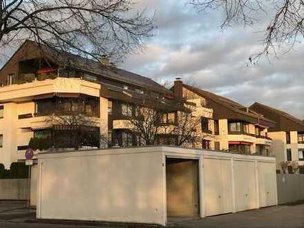 Helle, geräumige zwei Zimmer Penthaus-Wohnung in Augsburg, Universitätsvierteltzuz