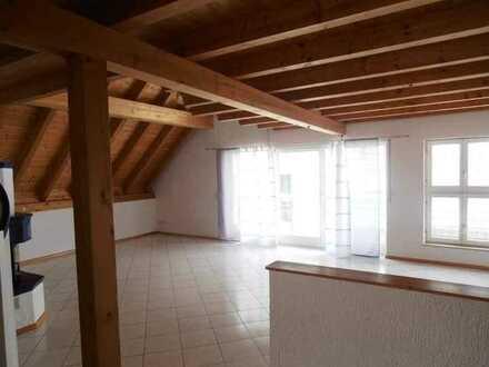 Schöne 3-Raum-Maisonette-Wohnung mit EBK und Balkon in Elzach
