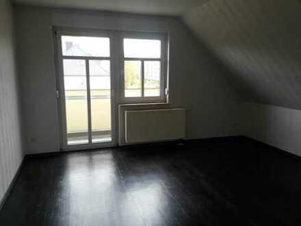 Dreizimmerwohnung mit EBK, Balkon und Stellplatz!