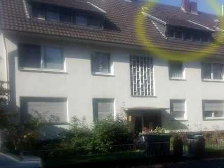 Ruhige, gepflegte 3-Zimmer-Dachgeschosswohnung zur Miete in Flittard, Köln