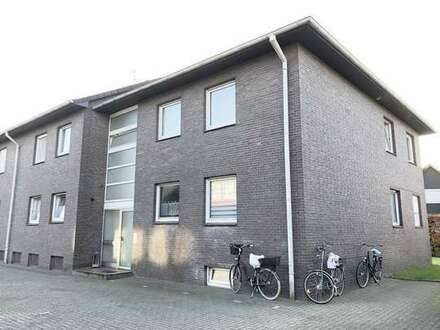 Sehr schöne 3 ZKB Wohnung mit Loggia und EBK! Danziger Straße!