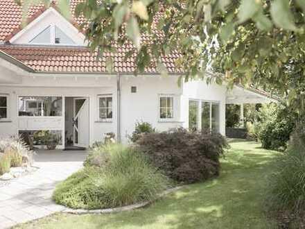 Großzügiges und sehr gepflegtes Einfamilienhaus mit zwei zusätzlichen Apartments
