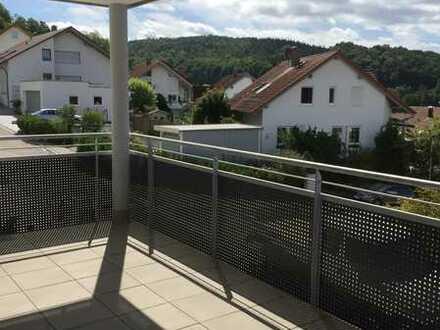 Neuwertige 4 Zimmer Wohnung mit schönem Balkon und EBK in Berglen