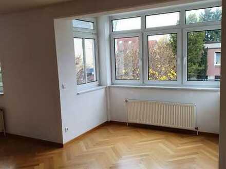 Neuwertige 2-Zimmer-Wohnung mit Einbauküche in Niederschönhausen (Pankow), Berlin