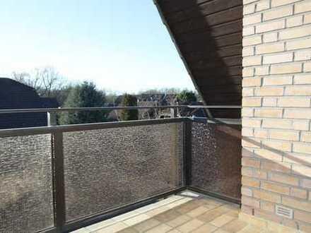 Sanierte 2-Zimmer-DG-Wohnung mit Balkon in Inden !
