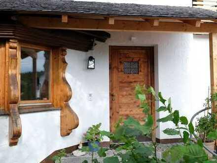 Sonnige 4-Zimmer-Wohnung mit zwei Balkonen und Garten in Münsing am Starnberger See