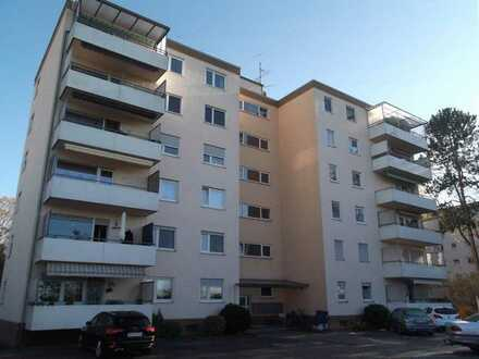 Gepflegte 4-Zimmer-Eigentumswohnung mit Balkon in toller Feldrandlage