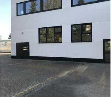 Preiswerte WG 7-Zimmer-Wohnung mit kleiner Einbauküche in Meckenheim