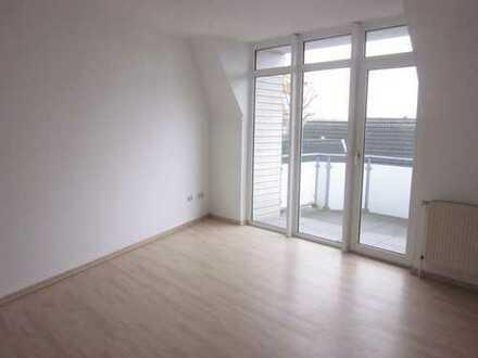 Attraktive 2,5 ZKB mit schönem Balkon + Carport - Ortsmitte Wardenburg