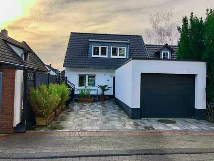 Modernes, gepflegtes Einfamilienhaus mit Garten, Garage und Stellplatz im Ortskern von Bonn Geislar