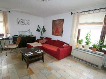 Singlewohnung mit Terrasse, Garten und Garage