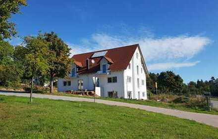 Erstbezug mit Balkon: freundliche 4-Zimmer-Maisonette-Wohnung in Wenzenbach