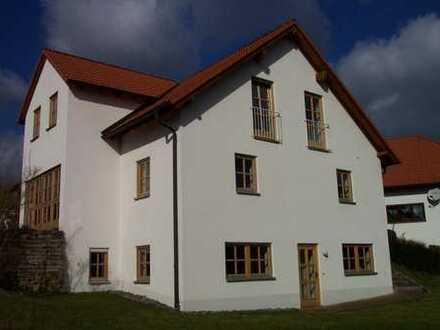 Ruhige 2-Zi-Wohnung für Wochenendheimfahrer; Nähe Kulmbach