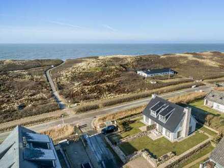 Exklusive Doppelhaushälfte in erster Reihe zum Meer