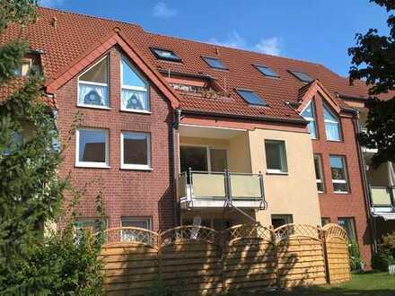 Helle, gepflegte 2-Raum-Wohnung mit Balkon im Grünen