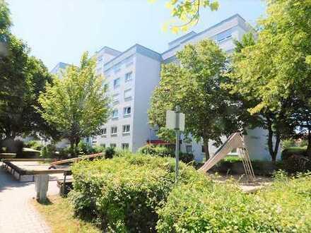 Gelegenheit! Top gepflegte 4 Zimmer Whg im schönen Aichwald mit Balkon und Garage.