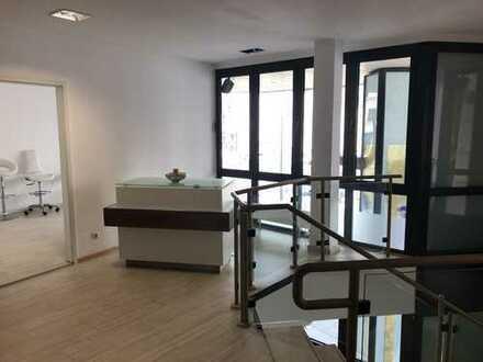 ***Ideale Räume wenn Sie mit Beauty zu tun haben*** 1 Stock, 75qm Synergie-Effekt.