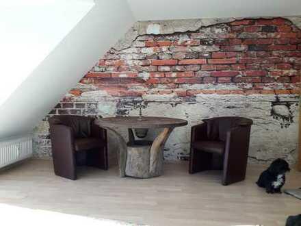 Exklusive, modernisierte, möblierte 2 1/2-Zimmer-Wohnung mit Balkon und EBK in Großhansdorf