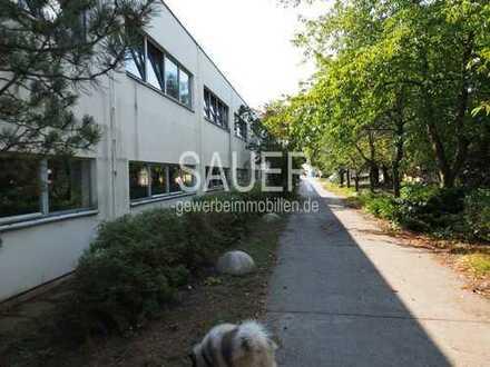 2.284 m² Produktionshalle + 550 m² Bürokopfbau , teilbar