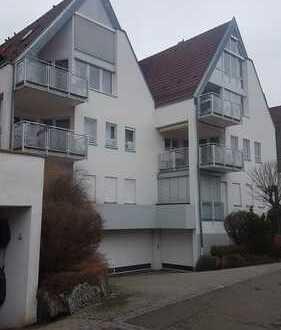 Stilvolle, vollständig renovierte 3,5-Zimmer-Wohnung mit Balkon und Einbauküche in Gärtringen