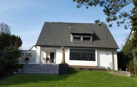 modernes, designorientiertes Einfamilienhaus mit parkähnlichen Garten in sehr guter Lage in Dortmund