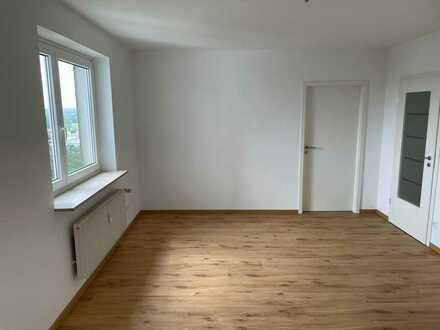 Renovierte 2 Zimmer-Wohnung mit TG-Stellplatz