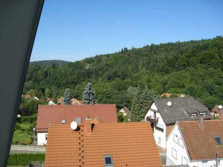 Vollständig renovierte 4-Zimmer-Maisonette-Wohnung mit Balkon in Pforzheim-Würm