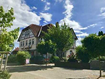 Grundsanierte großzügige Altbauwohnung im Herzen von Uetze mit eigenem Garten