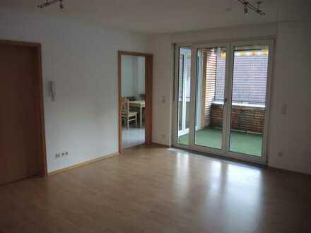 Schöne, vollständig renovierte 4-Zimmer-Wohnung mit Balkon und EBK in Aidlingen